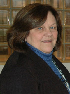 Kay Maclean H'04 — Outstanding Service Award