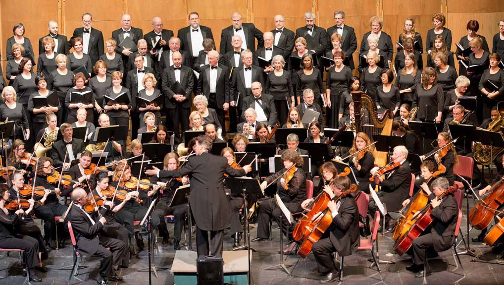 Symphony NH will play works by American Masters: Gershwin, Copland, Bernstein, and Rodgers.