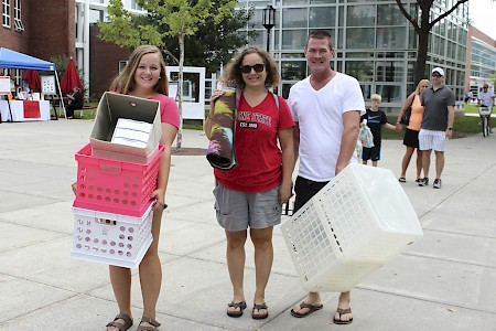 Students (and parents) stock up to move in. Photo by Lynn Roman.