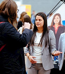 Management Alumna Returns to Help Students Find Employment Opportunities