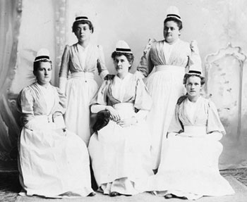 The first class to graduate from the Cheshire Hospital School of Nursing (then the Elliot City Hospital) in 1895.