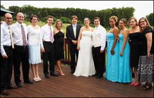 Erin Larochelle '03 and Brian Parda '01 wedding photo