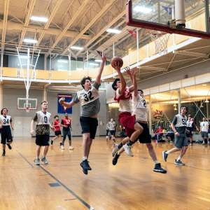 Students Make New Connections and Stay Fit with Intramural Sports