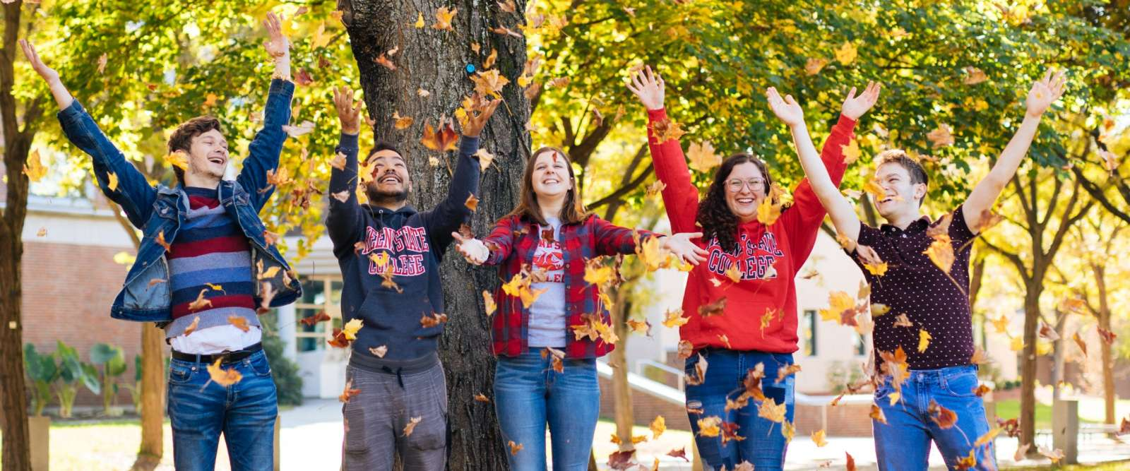 Students in the fall on the Quad