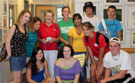 Alum Winnie Langtry with orientation group