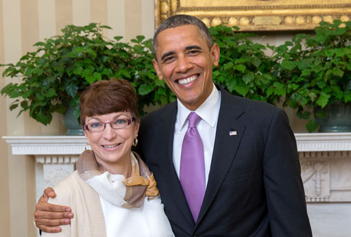 Heidi Welch '96 is greeted by President Obama at the White House (Official White House photo by Lawrence Jackson)